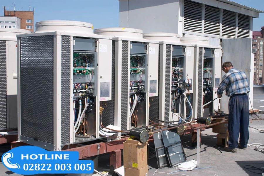 Lắp đặt hệ thống máy lạnh Daikin 50 ngựa với Trung Tâm Sửa Chữa Bảo Hành Daikin